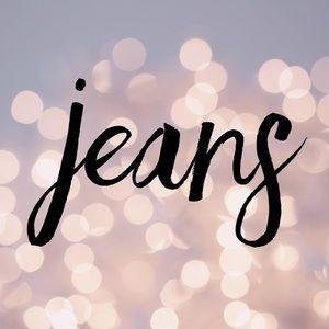 Denim - •Jeans•